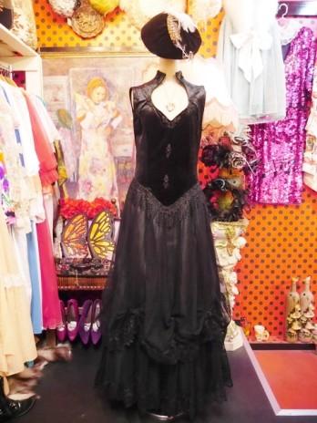 ebe68916104ce ... なチュール×花柄レースのティアードスカートが魅力的なヨーロピアンヴィンテージロングドレス 大人っぽく女性らしい魅力を引き出してくれるお洒落な ゴシックドレス ...